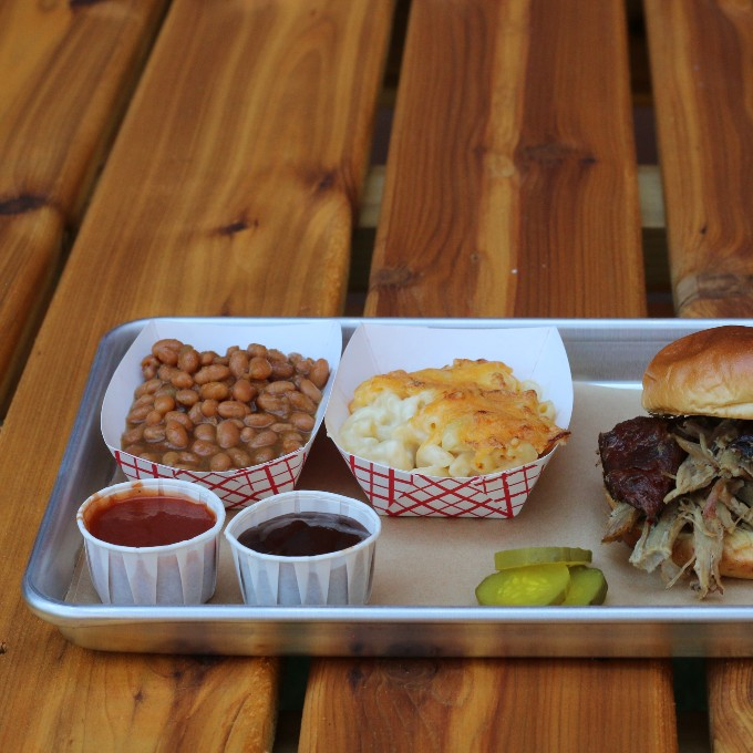 Pulled pork slider with beans and mac n cheese